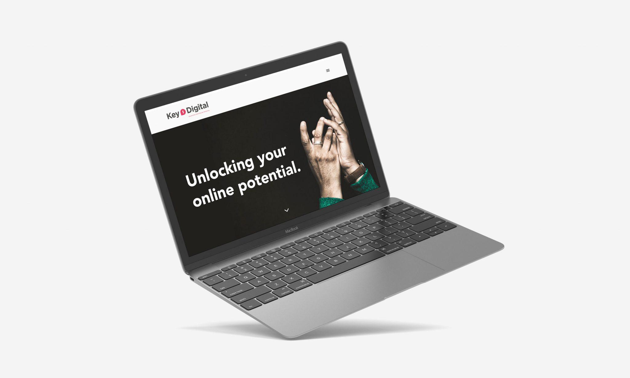 Laptop-Mockup-Key